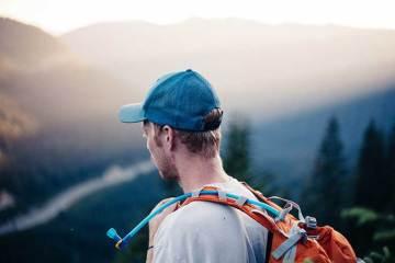 Las mochilas y equipamiento para la hidratación marcan la diferencia en el running / Foto: Nathan Lindahl