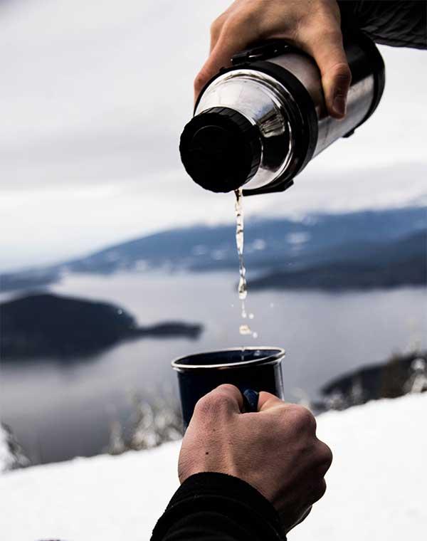 Peligros de mezclar bebidas alcohólicas con la hipotermia