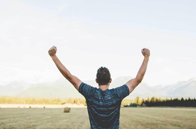 4 beneficios de salir al aire libre y hacer ejercicio cada mañana / Foto: Japheth Mast