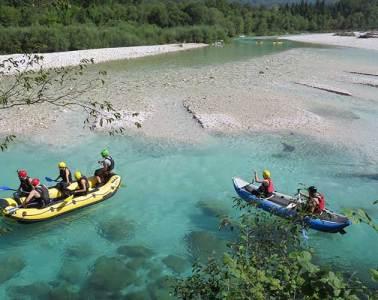 Liberar adrenalina practicando Rafting / Foto: Lenka Zigon