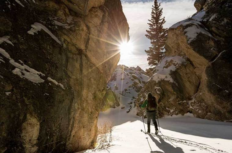 Equipo básico para el esquí-de-travesía / Foto: Skeeze (pixabay)