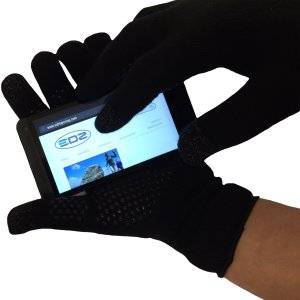 Finger-Touch-gloves---finger-on-phone