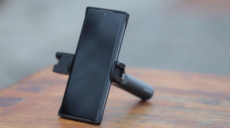 Adonit V-Grip selfie stick reviewed