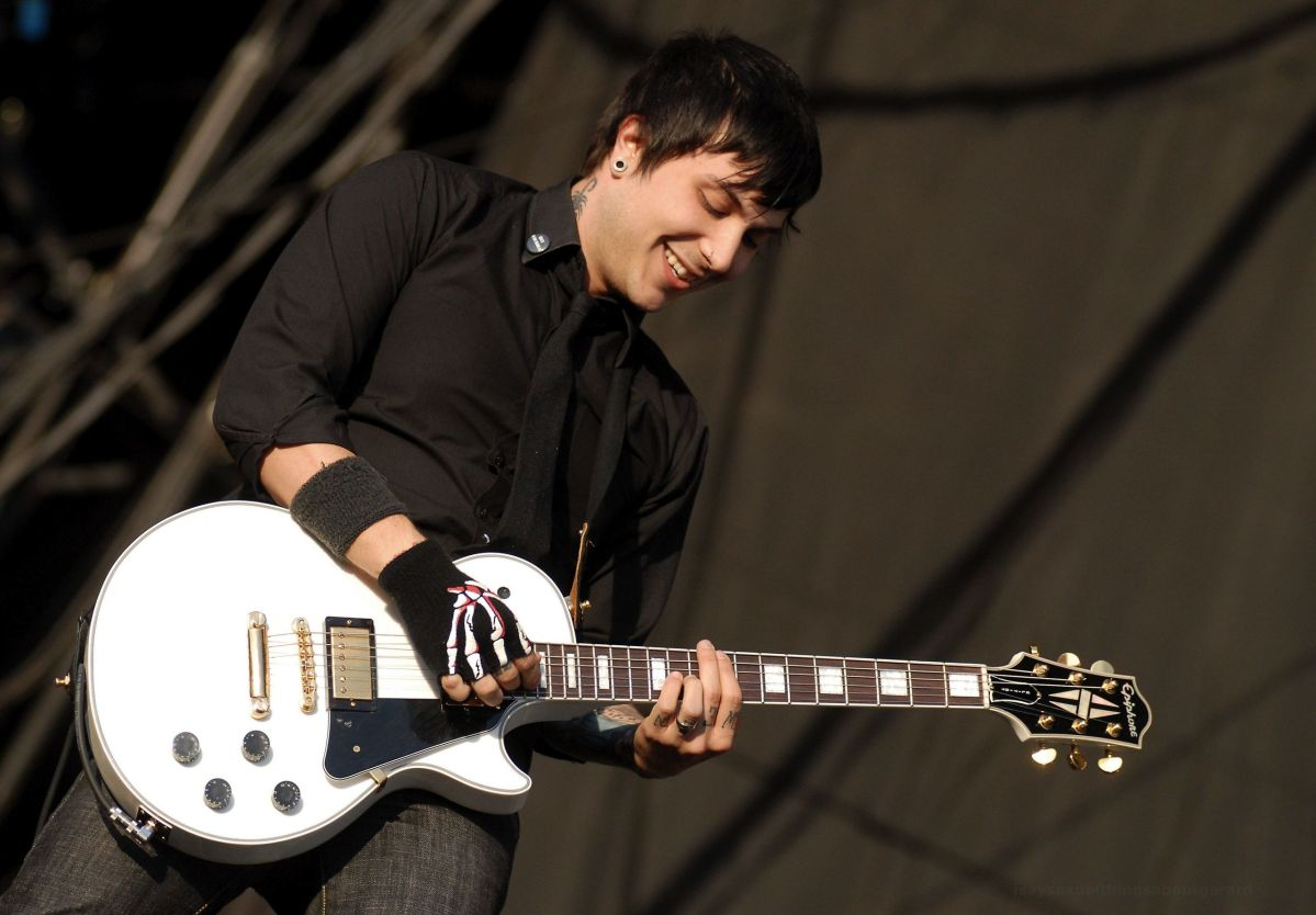 "Frank Iero (My Chemical Romance) Releases New Demo ""joyriding."""