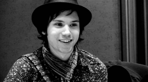 Ryan Ross (ex-Panic! At The Disco) Releases Two Demos