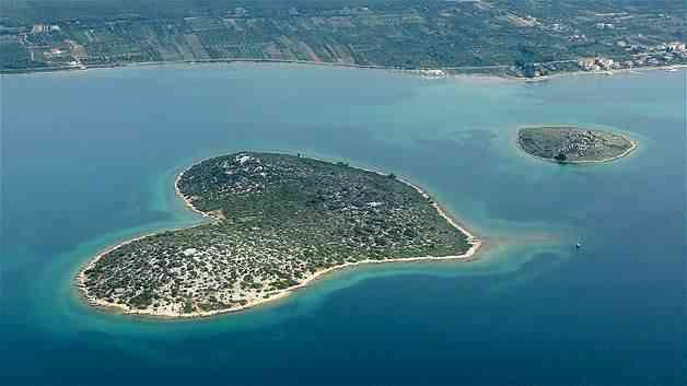pulau dengan bentuk unik 8 - Pulau - Pulau dengan Bentuk Unik & Aneh di Dunia