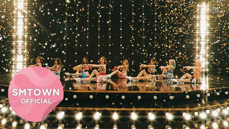 Girls Generation 소녀시대 Holiday Music Video - Video : Holiday Night, Girls' Generation ( SNSD )