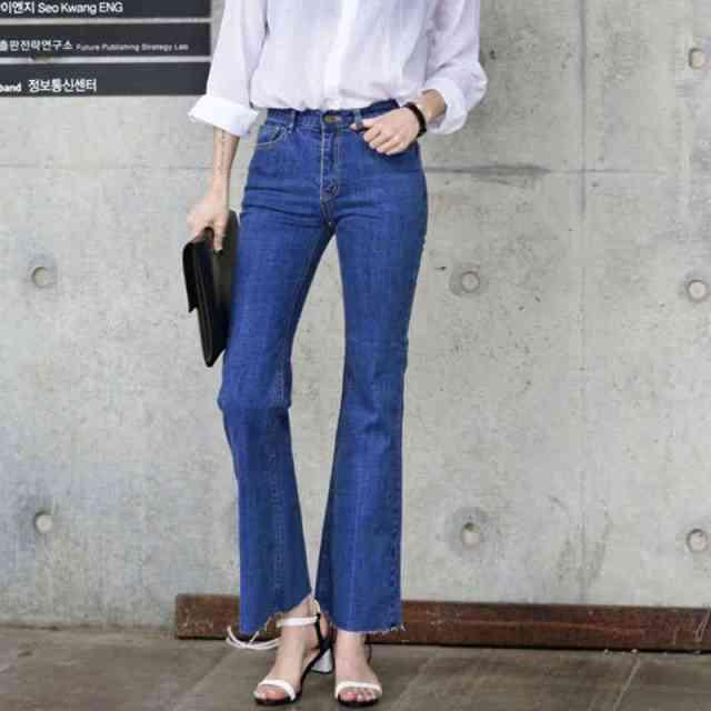 Bell Bottom Pants 750x750 - Yuk Intip 30 Jenis Pakaian Wanita Terbaru yang bakal Trend 2019