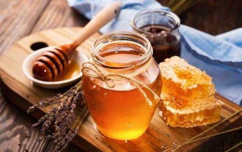 manfaat madu untuk kecantikan menghiangkan bekas jerawat dan flek hitam pada kulit wajah - Daftar Manfaat Madu Untuk Kecantikan Kulit Wanita