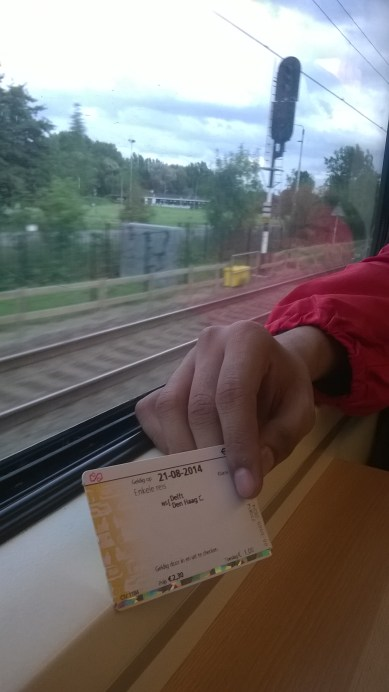 nach #DenHaag gehen. the single trip OV-card| Aug.21