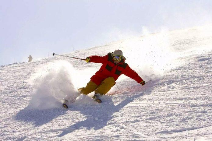 琵琶湖山谷滑雪場