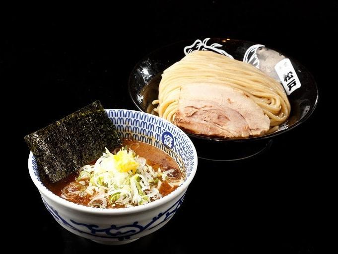 , 【東京交通】NRT成田機場全攻略!(往返交通、免稅店必買、必吃美食、過夜住宿、周邊景點 outlet )