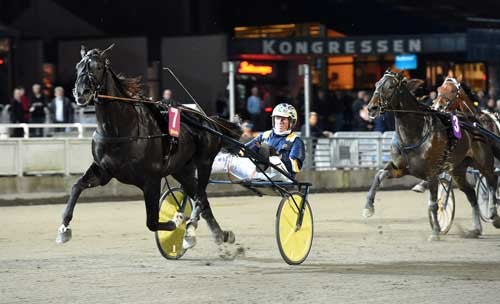 Nuncio med Stefan Melander vandt 6. sejr i træk. Foto Kanal 75