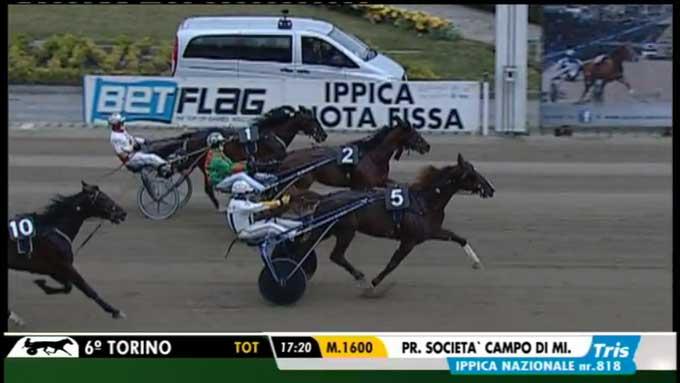 Oropuro Bar slutter stærkt af og vinder foran Pascia Lest og Mack Graces SM. Fra Unire TV