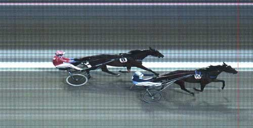 Princess Endurance har lunet sig i vinderhullet og speeder frem til sejr foran Madonna O.