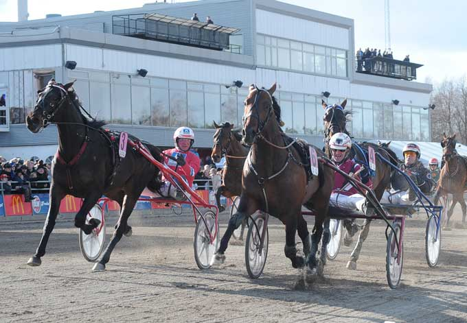 Dream With Me NL med Lutfi Kolgjini vinder i 1.10.1 foran udvendige Cahrrua Forlan med Hans-Owe Sundberg. Kanal 75