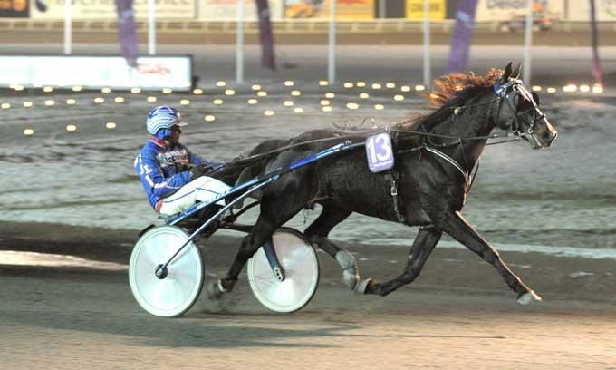 Ingen var i stand til at følge Rocky Egedal med Joakim Løvgren, der vandt sikkert. Foto Kanal 75