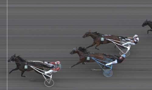 Takethem med Steen Juul vinder sikkert i ny banwrekord 1.12.0 foran Race  Cowboyland med Morten Friis.
