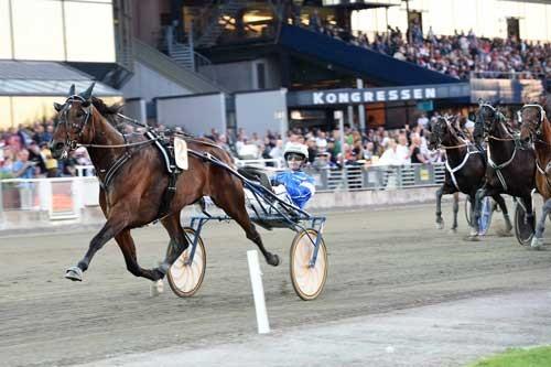 Yoana med Erik Sdielsson vandt EM for Hopper efter behag. Foto Kanal 75
