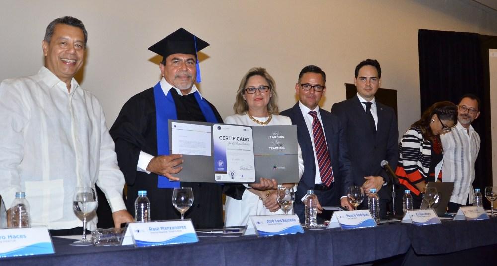 JoseLuis_recibiendo_Certificaciones