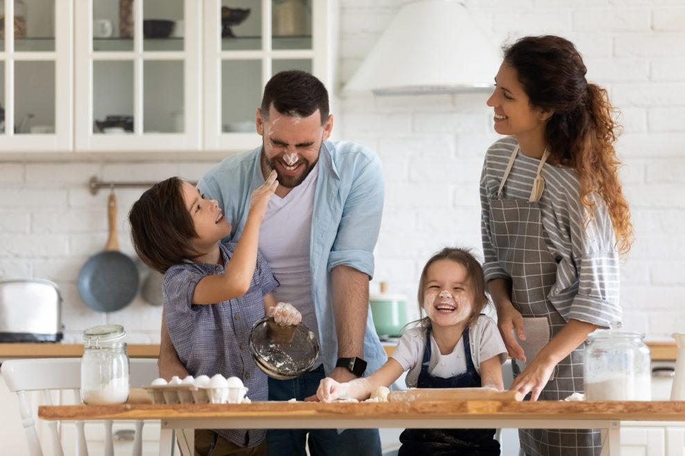 Overjoyed,Young,Family,With,Little,Preschooler,Kids,Have,Fun,Cooking