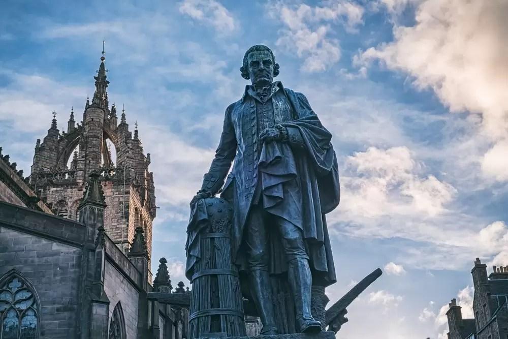 Pomnik Adama Smitha, Edynburg