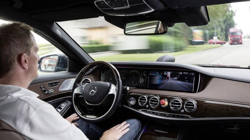 Die deutsche Politik will jetzt die rechtlichen Grundlagen für das autonome Autofahren schaffen.