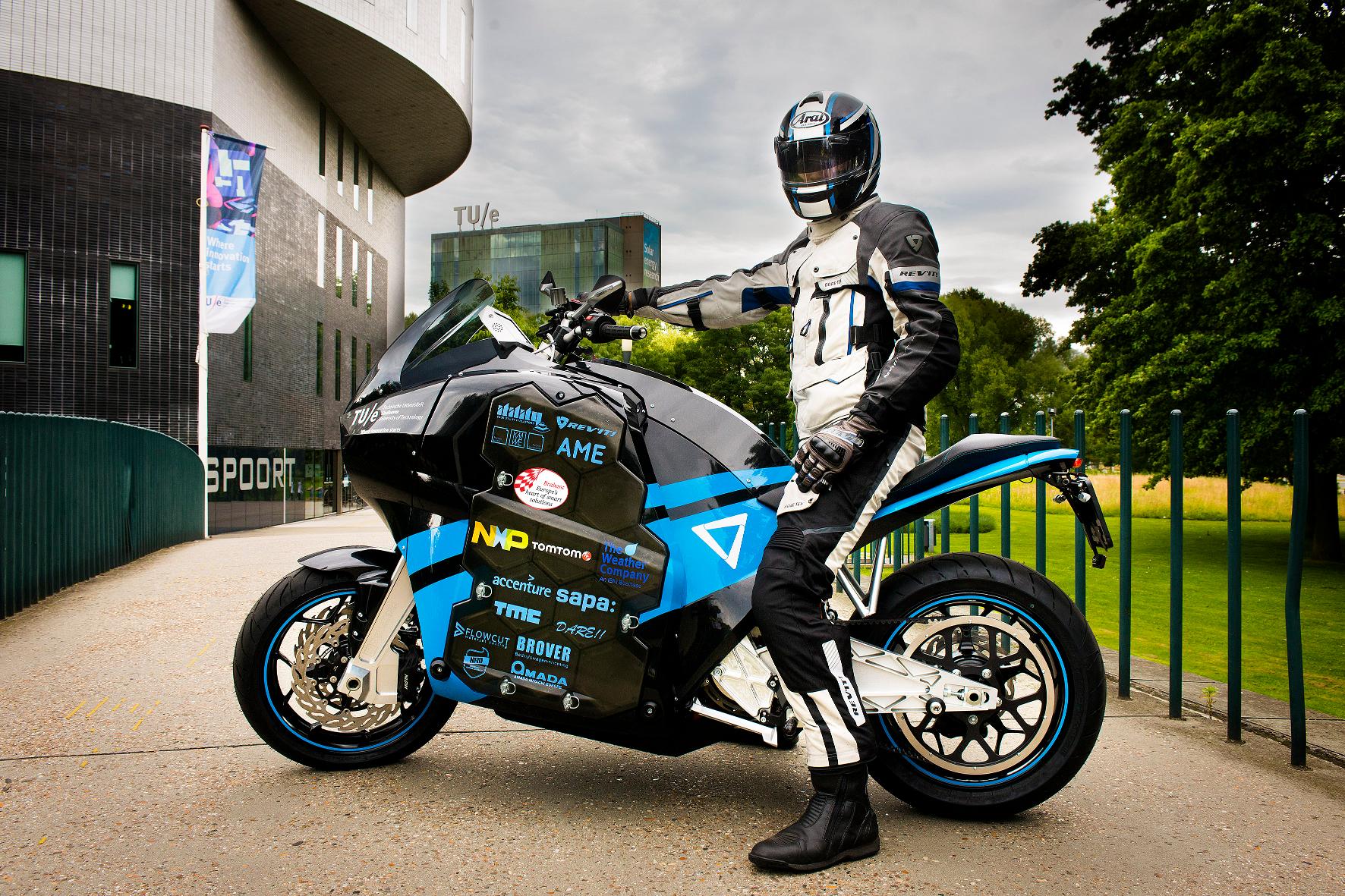 Mit dem Elektro-Motorrad in 80 Tagen um die Welt