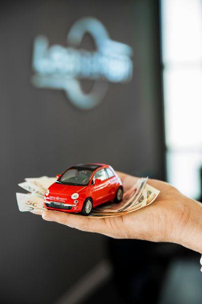 Autofahrer müssen für ihre Mobilität vergleichsweise viel Geld ausgeben