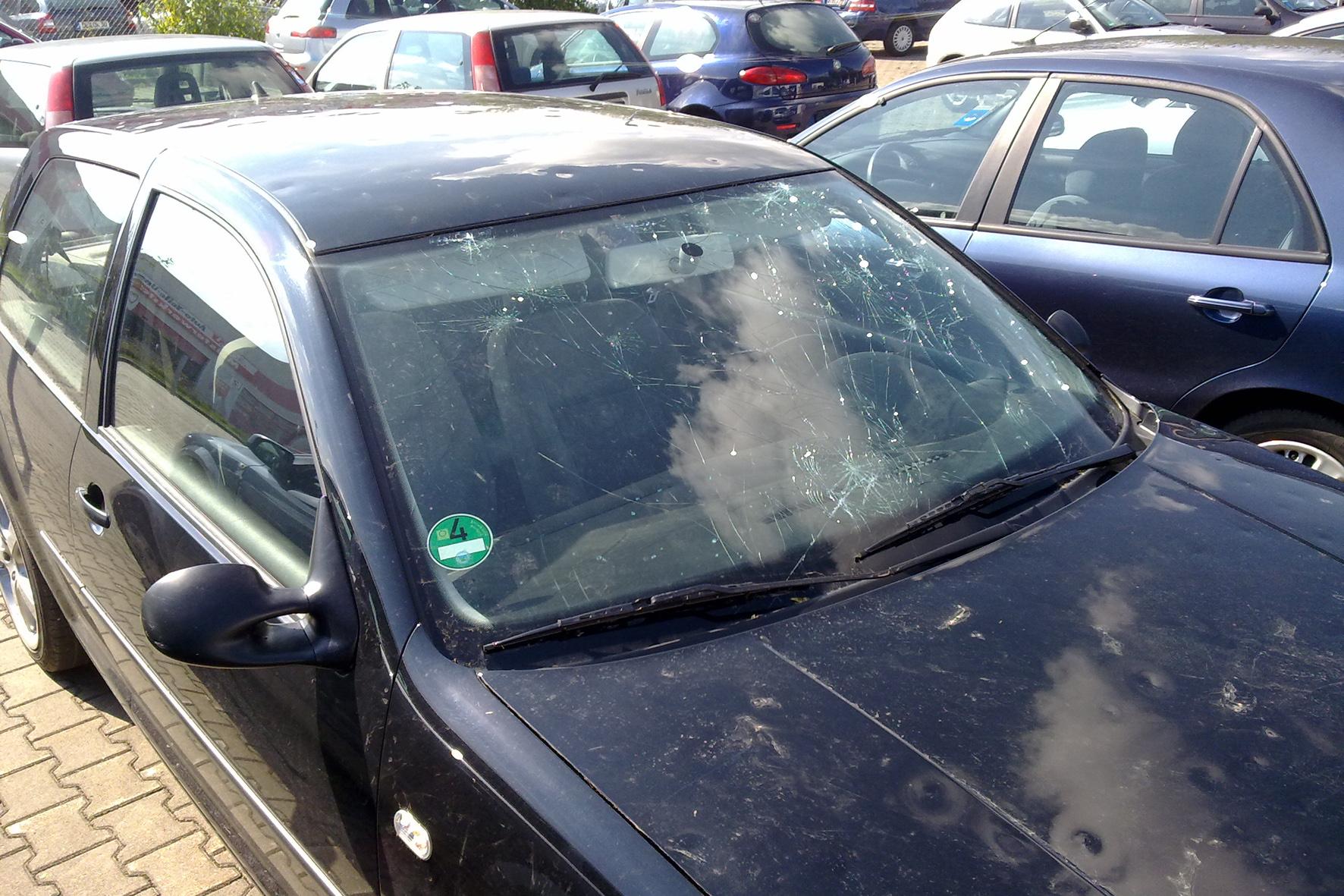 Sommergewitter und Hagelschaden: Was Autofahrer wissen sollten