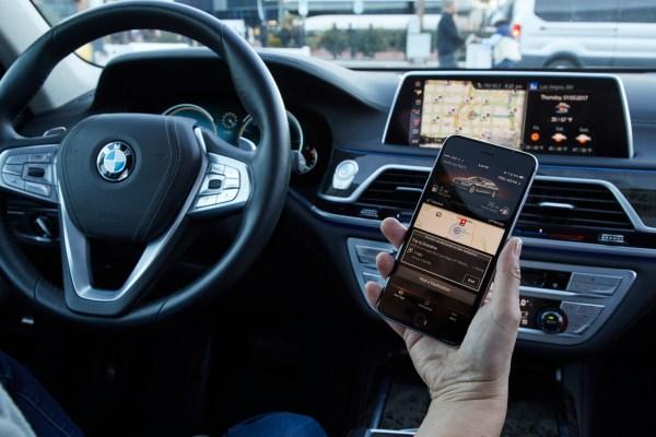 BMW Vernetzung im Innenraum eines PKW