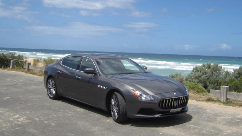 Strenge Geschwindigkeitsbegrenzungen verhindern das sportliche Fahren mit dem Maserati in Australien. Doch die Great Ocean Road ist so beeindruckend, dass sowieso langsam gefahren wird. © Wolfgang Bernhard / mid / TRD mobil