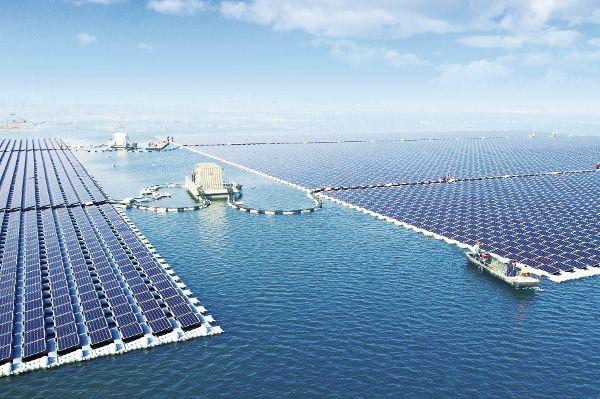 In China baut man Solar-Kraftwerk auf dem Wasser