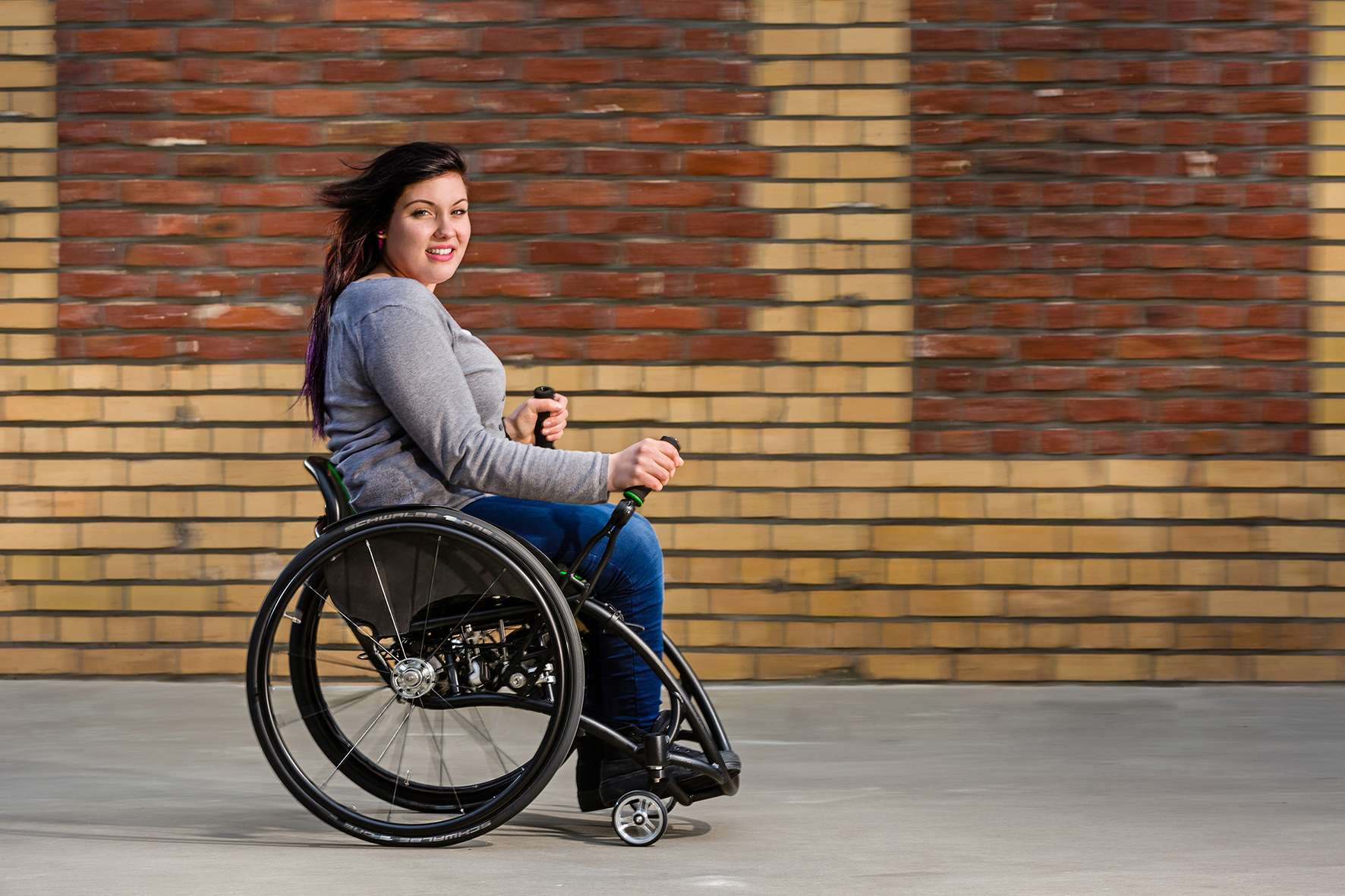 Aktiv Rollstuhl-Generation geht dynamisch an den Start