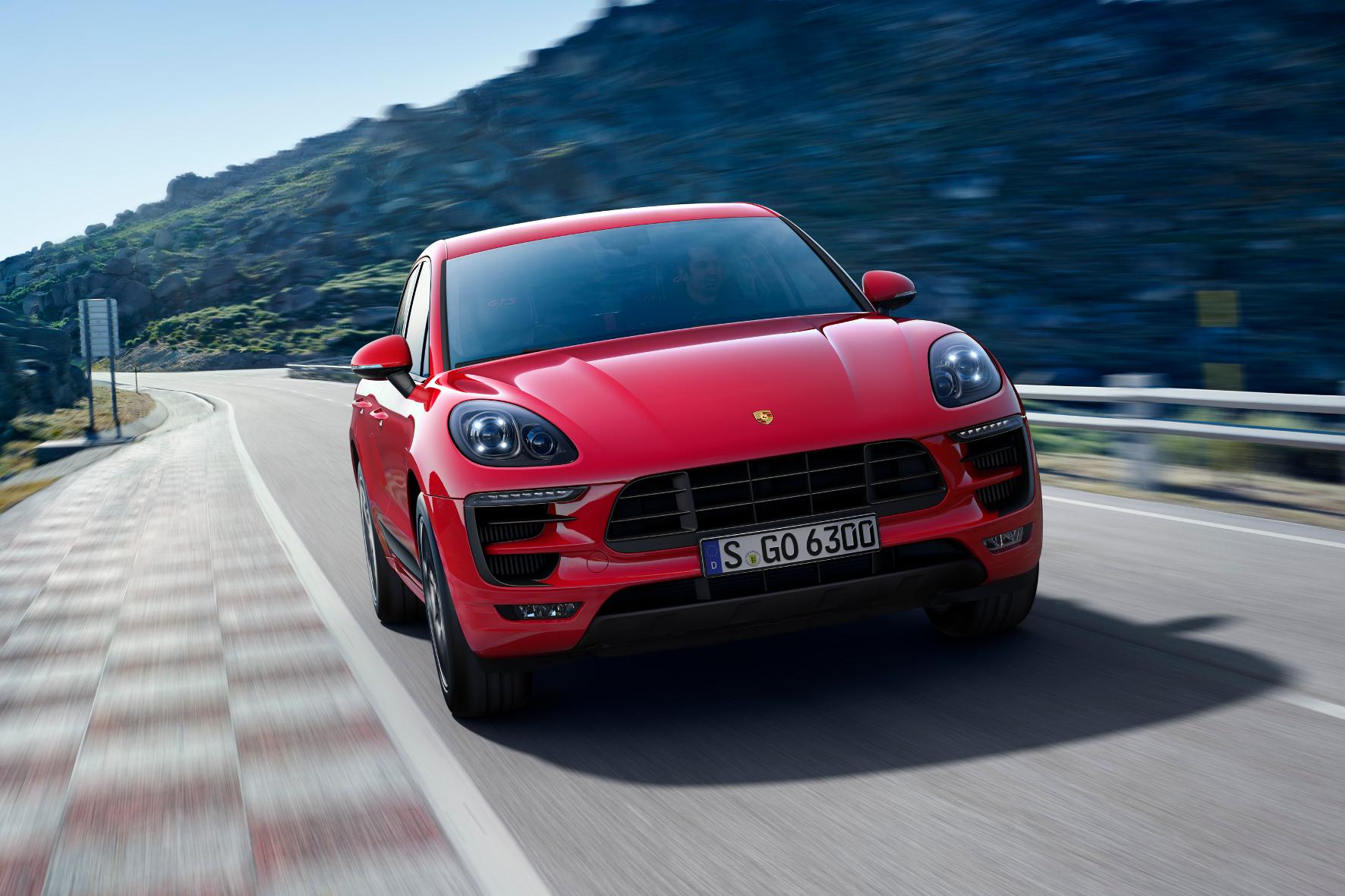 Mit dem Macan GTS von Porsche geschmeidig in die Parklücke
