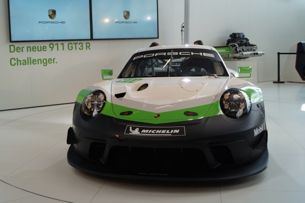 Porsche 911 GTR3 Rennsport 1