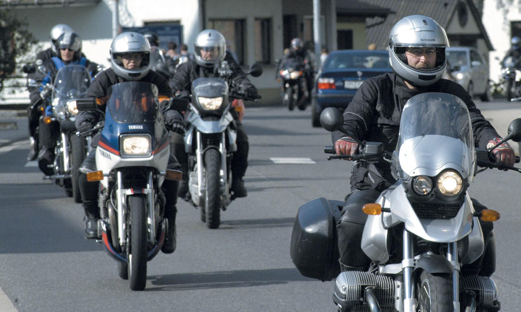 Gemischte Ergebnisse beim Motorradhelm-Test