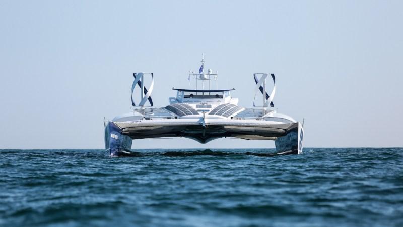Wasserstoffschiff geht auf Weltreise