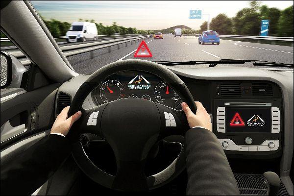 Autobauer entwickelt Warnfunktion vor Geisterfahrern