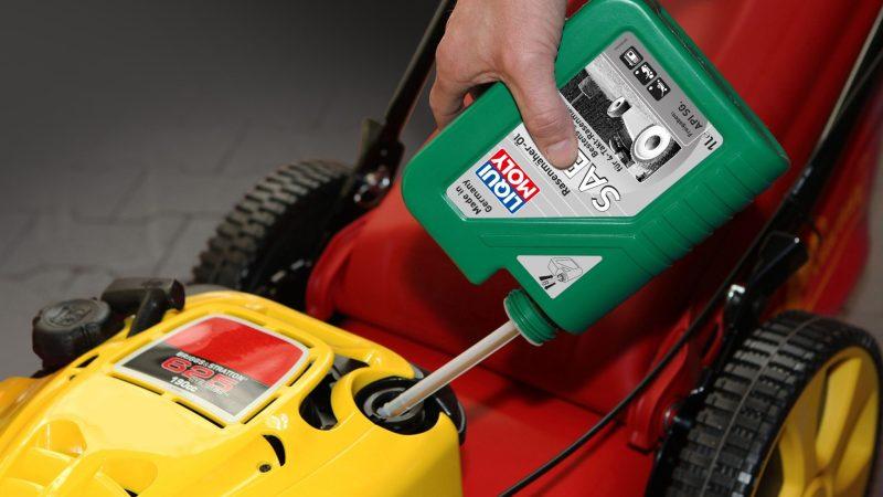 Für Benzin betriebene Geräte, die länger nicht benutzt werden, empfiehlt sich ein sogenannter Benzin-Stabilisator. Er schützt vor Alterung und Oxidation. Foto: Liqui Moly/TRD Technik