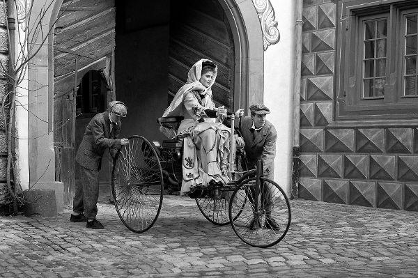 Es gibt einen Film über Bertha Benz zum internationalen Weltfrauentag