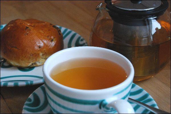 Tee plus Brötchen sind bei der Arbeit nicht gleich Frühstück