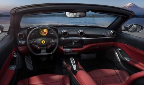 Vor jeder Kulisse hat man in einem Ferrari einen filmreifen Auftritt. © Ferrari / trd mobil