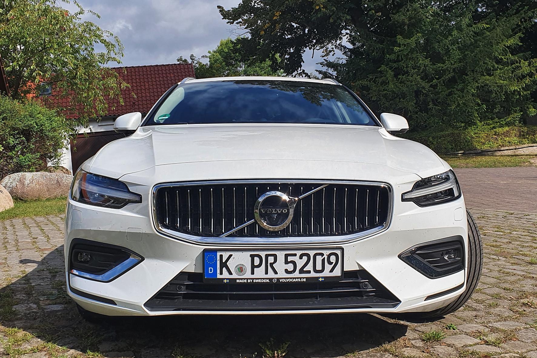 Schwedischer SUV-Musterknabe in der Mittelklasse aktiv
