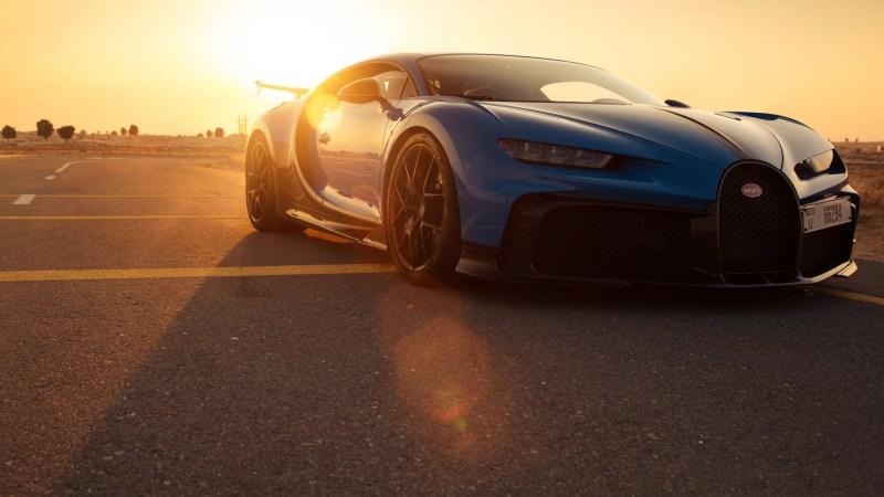 Startklar: Der neue Bugatti Chiron Pur Sport setzt an zum Spurt durch die Vereinigten Arabischen Emirate. © Bugatti / TRD mobil