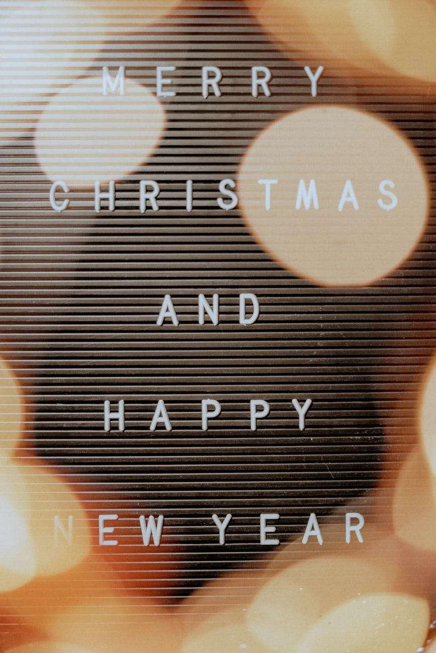 Frohe Weihnachten und erholsame Feiertage wünschen wir unseren Lesern