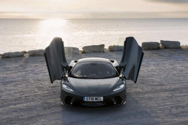 Wenig Gewicht (1.530 Kilo), tiefer Schwerpunkt, optimale Gewichtsverteilung - und Heckantrieb. Sportwagen-Herz was willst Du mehr?