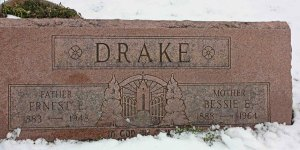 Grave marker with symbolism