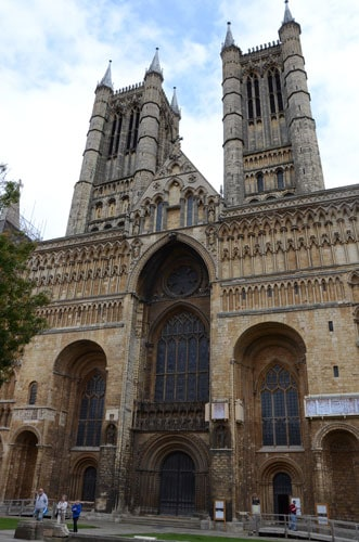 Lincoln Cathedral facade looking for bond with 20th great grandmother