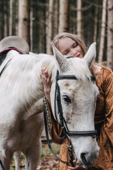 Horse Sense. Model Nicola